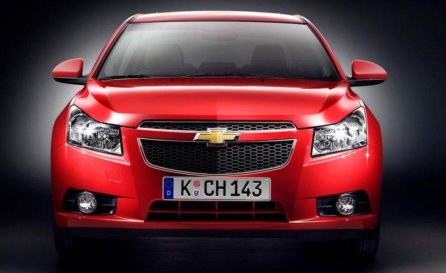 2011 Chevrolet Cruze - Slide 3