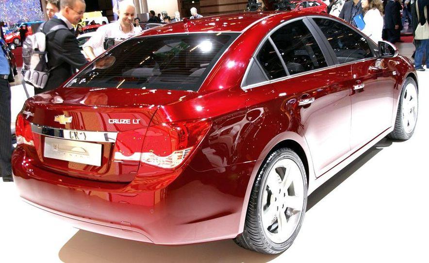 2011 Chevrolet Cruze - Slide 4