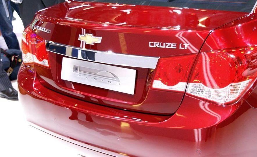 2011 Chevrolet Cruze - Slide 6