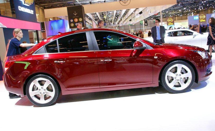 2011 Chevrolet Cruze - Slide 27