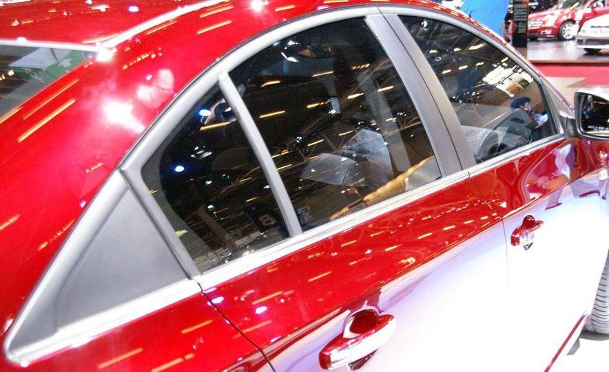 2011 Chevrolet Cruze - Slide 30