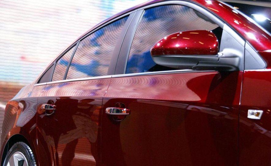 2011 Chevrolet Cruze - Slide 31