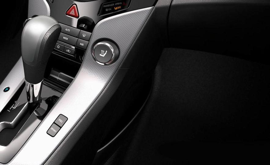 2011 Chevrolet Cruze - Slide 34