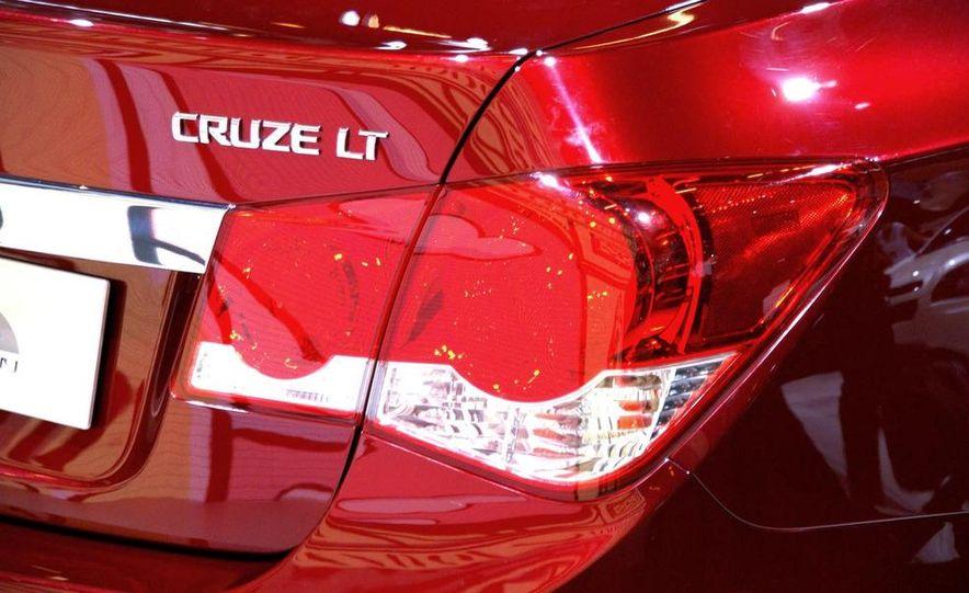 2011 Chevrolet Cruze - Slide 5
