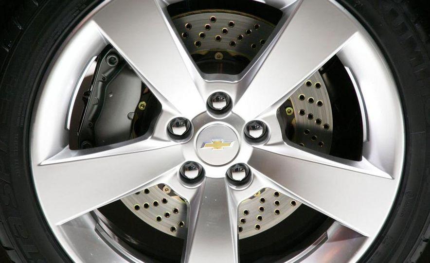 2011 Chevrolet Cruze - Slide 17