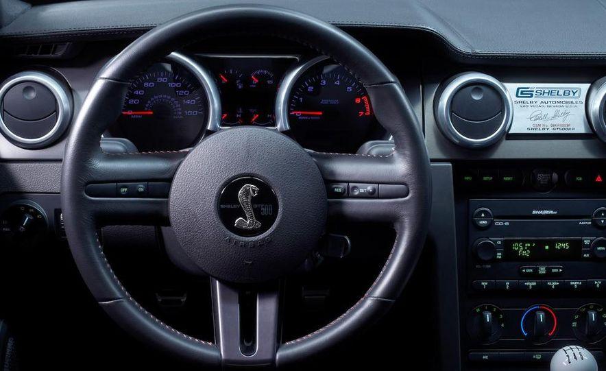 2010 Ford Mustang badge - Slide 11