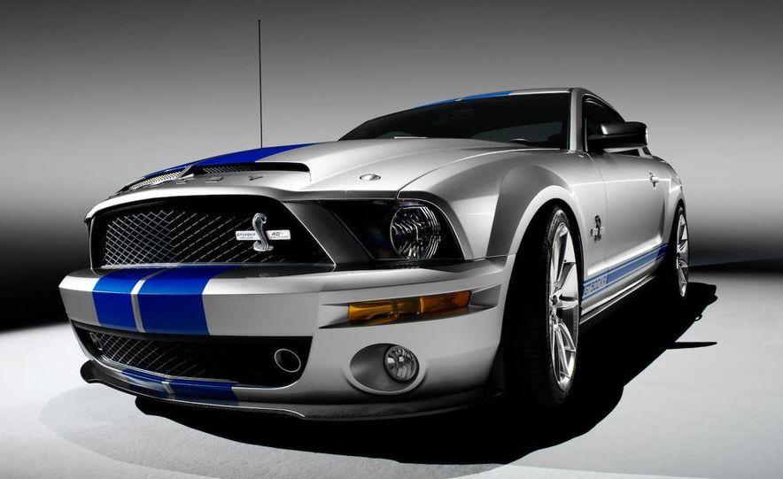 2010 Ford Mustang badge - Slide 3