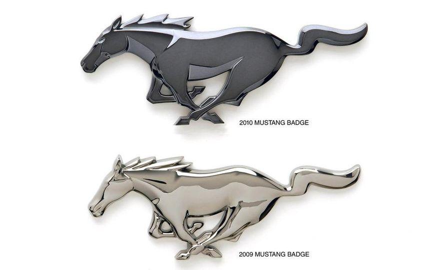 2010 Ford Mustang badge - Slide 2
