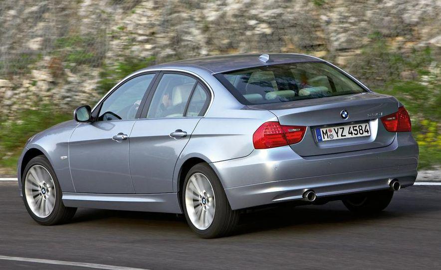 2009 BMW 3-series sedan - Slide 12