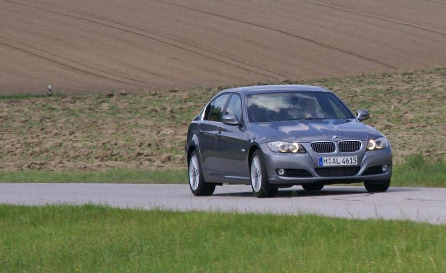 2009 BMW 3-series sedan - Slide 6