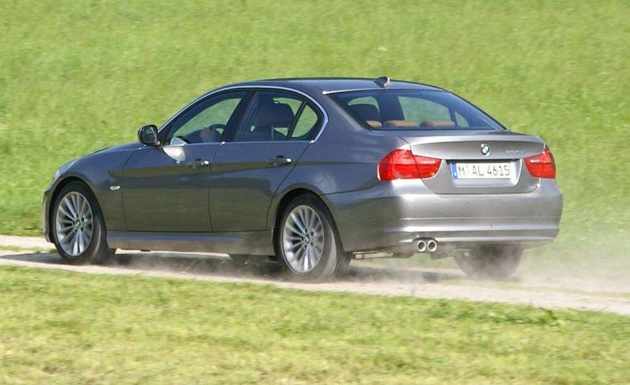 2009 BMW 3-series sedan - Slide 2