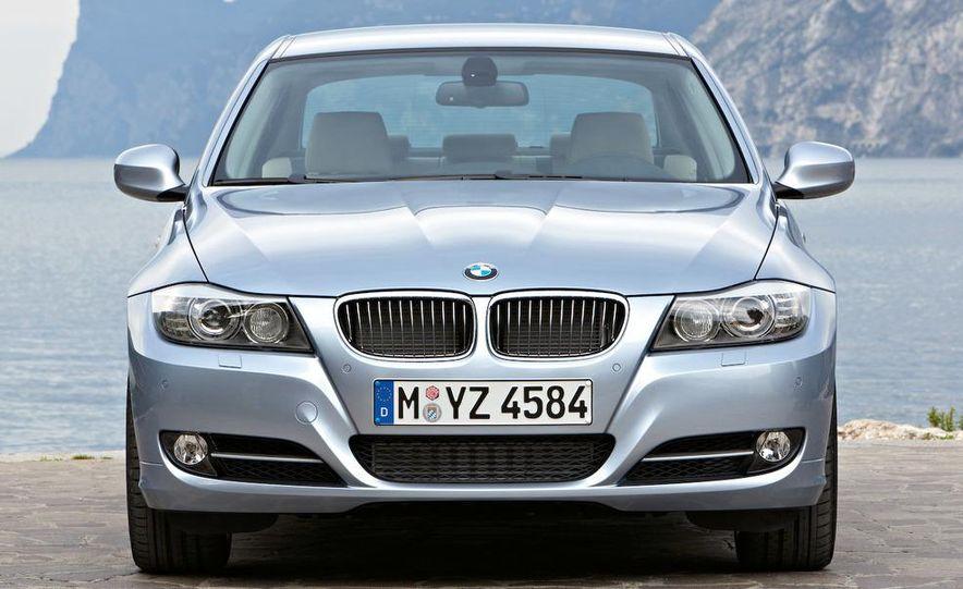 2009 BMW 3-series sedan - Slide 16