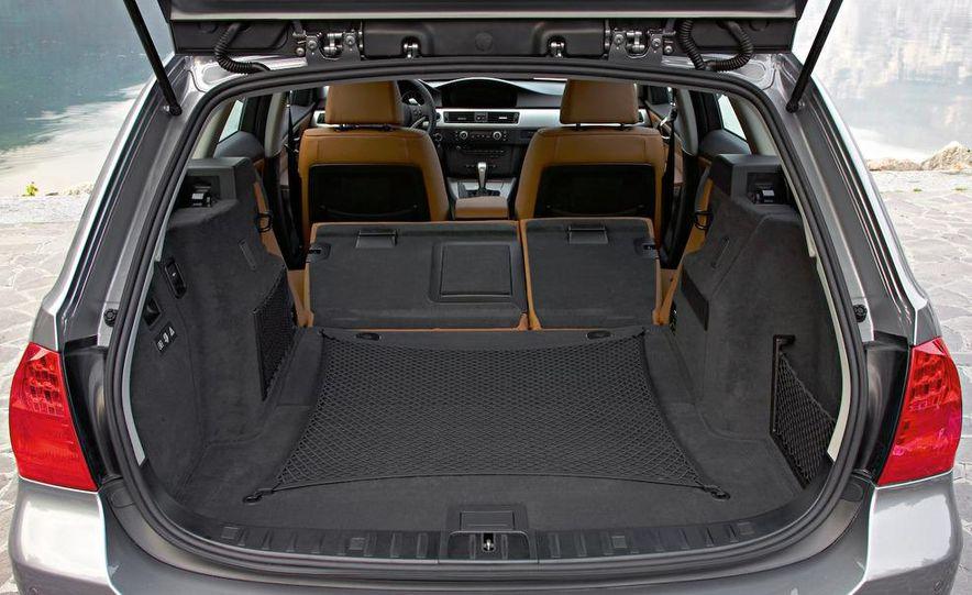 2009 BMW 3-series sedan - Slide 51