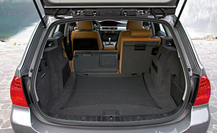 2009 BMW 3-series sedan - Slide 52