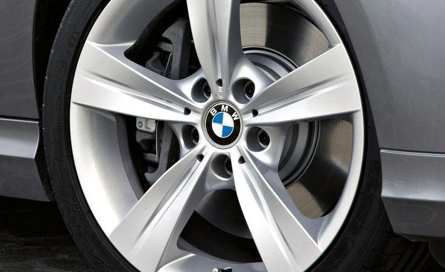 2009 BMW 3-series sedan - Slide 41