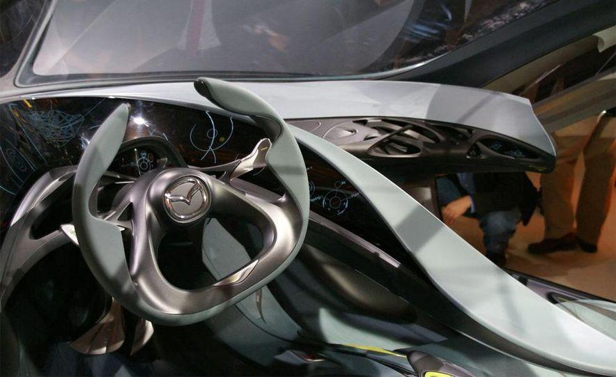 Mazda Kiyora / Mazda 1 concept - Slide 16