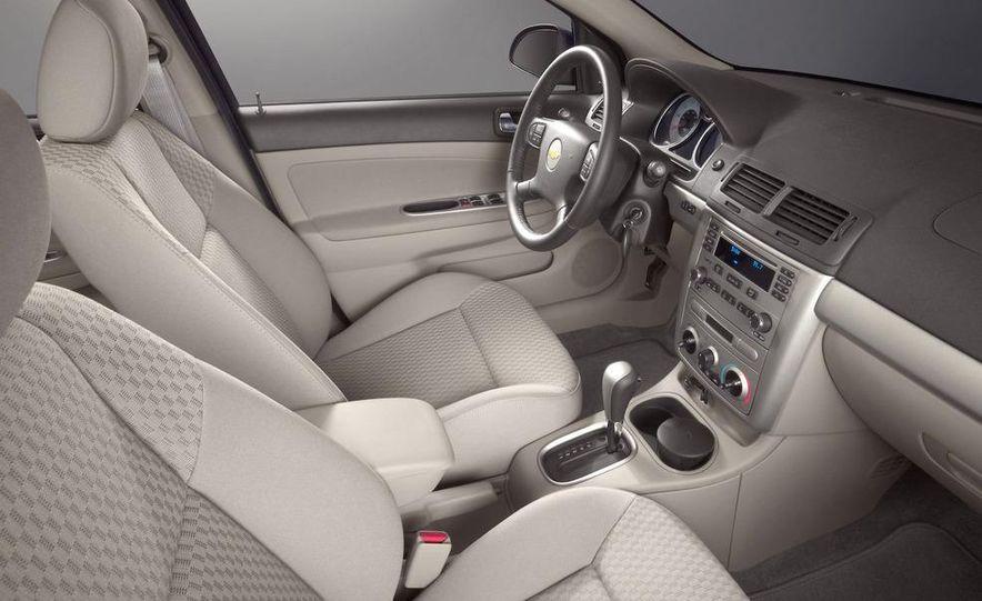 2011 Chevrolet Cruze - Slide 21