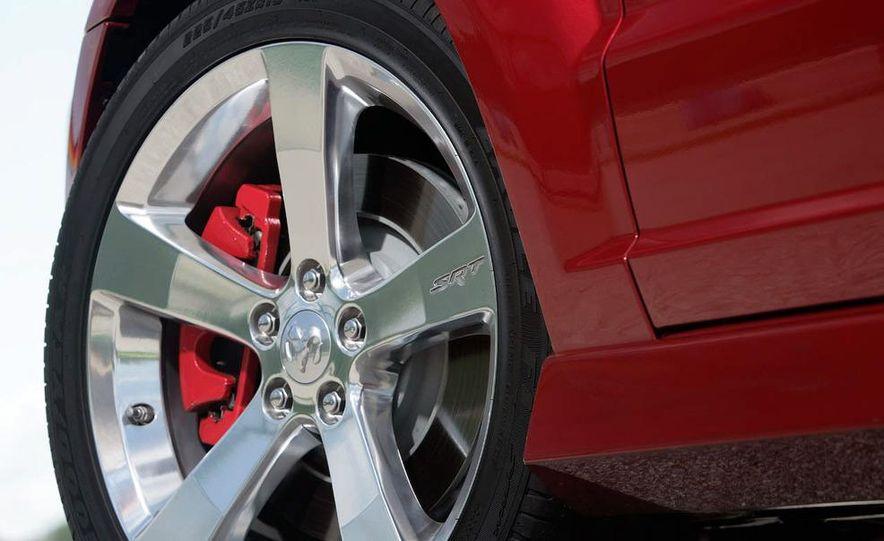 2009 Dodge Caliber - Slide 13