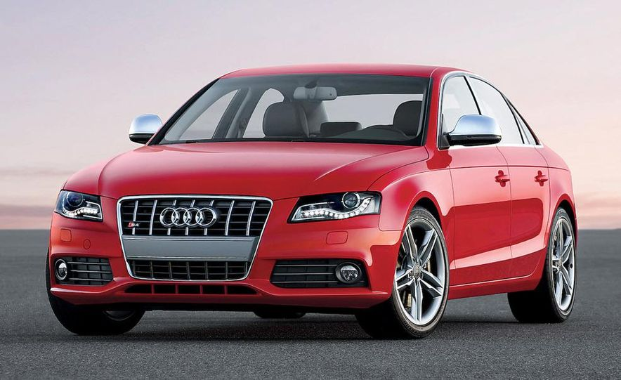 2010 Audi S4 illustration - Slide 1