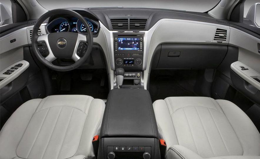 Chevrolet Orlando concept door panel - Slide 49