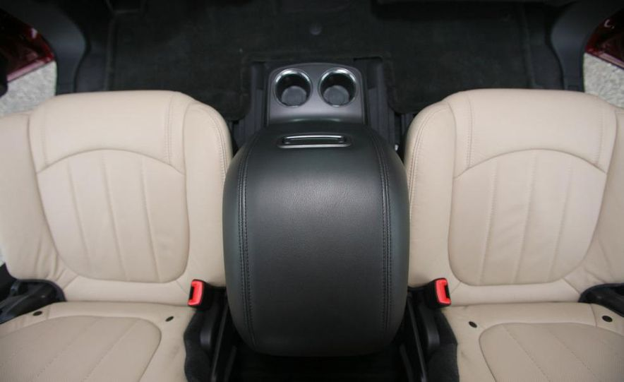 Chevrolet Orlando concept door panel - Slide 51