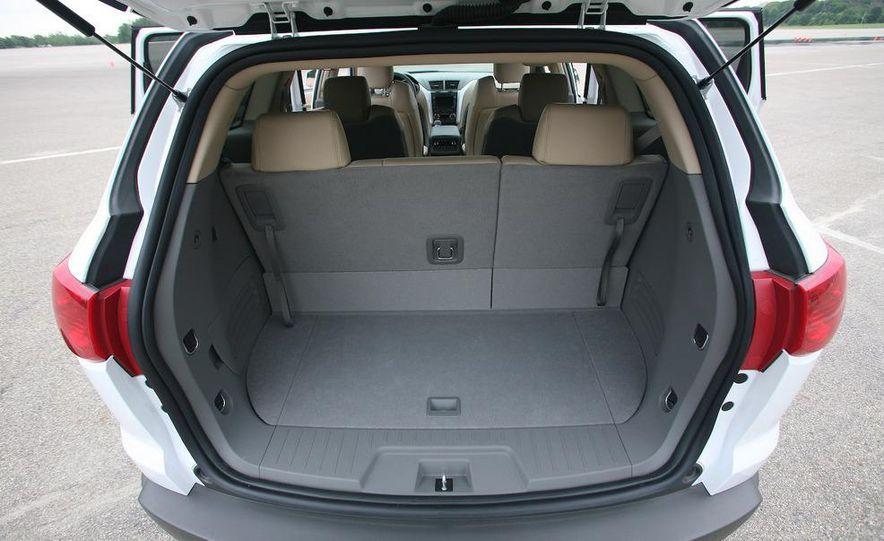 Chevrolet Orlando concept door panel - Slide 54