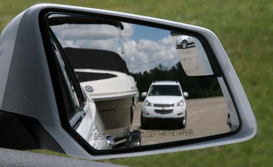Chevrolet Orlando concept door panel - Slide 59