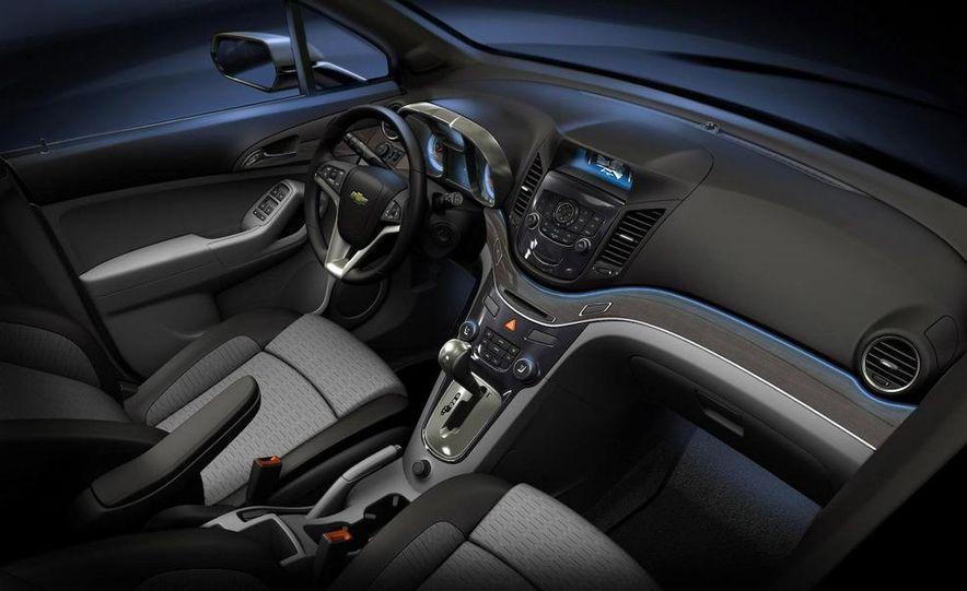 Chevrolet Orlando concept door panel - Slide 29