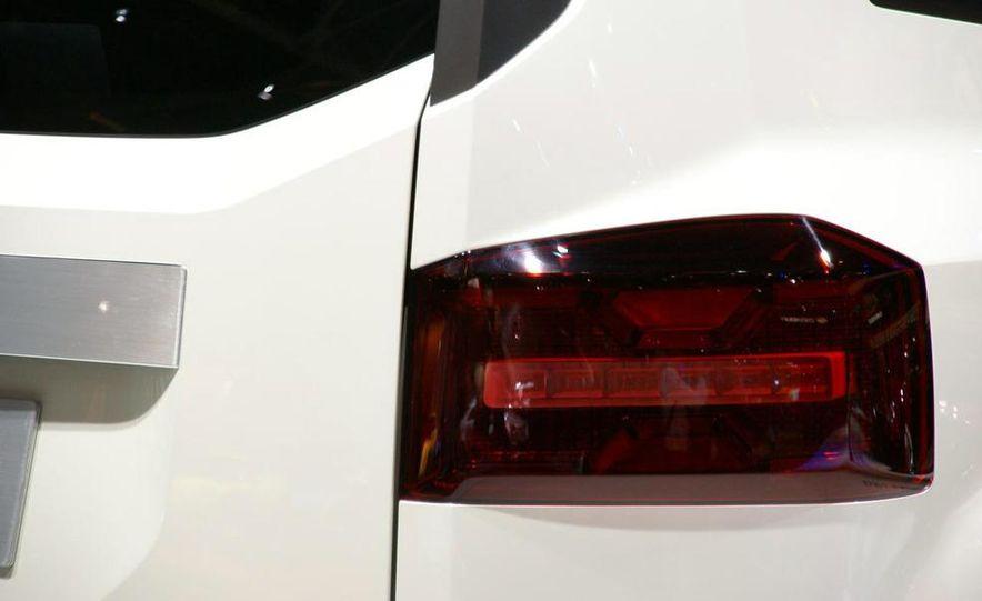 Chevrolet Orlando concept door panel - Slide 9