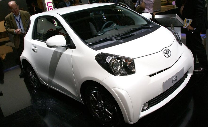 2009 Toyota iQ (Not sold in the U.S.) - Slide 1