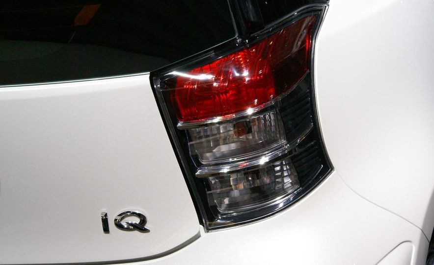 2009 Toyota iQ (Not sold in the U.S.) - Slide 4