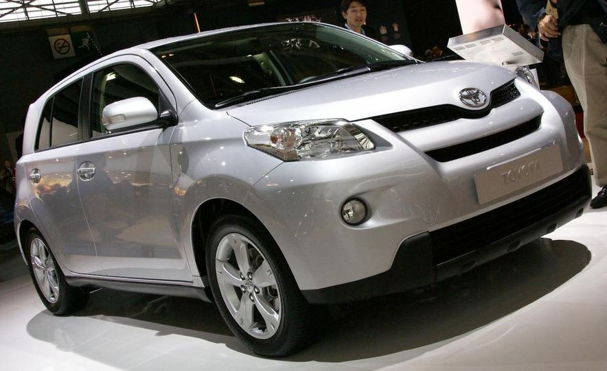 2009 Toyota Urban Cruiser (Not sold in the U.S.) - Slide 2