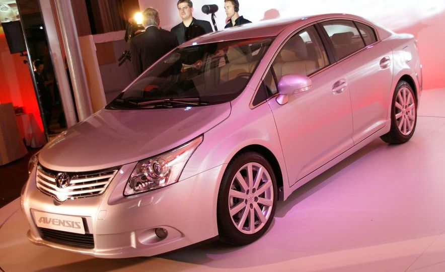 2009 Toyota Avensis (Not sold in the U.S.) - Slide 1