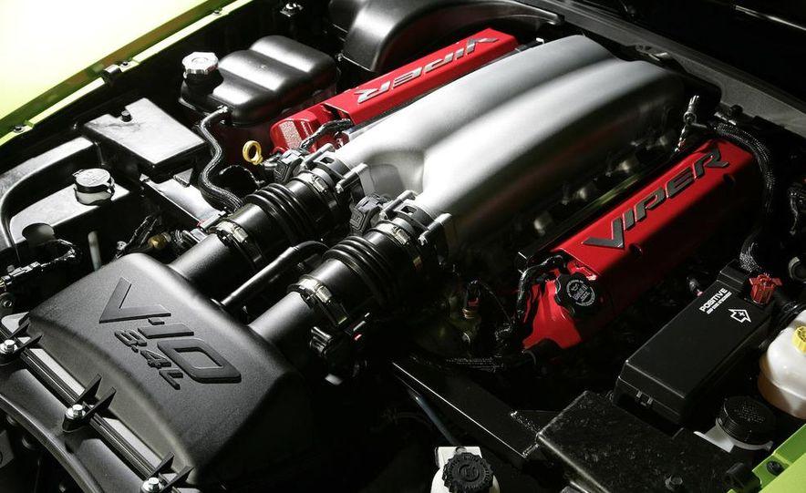 2008 Dodge Viper SRT10 coupe - Slide 6