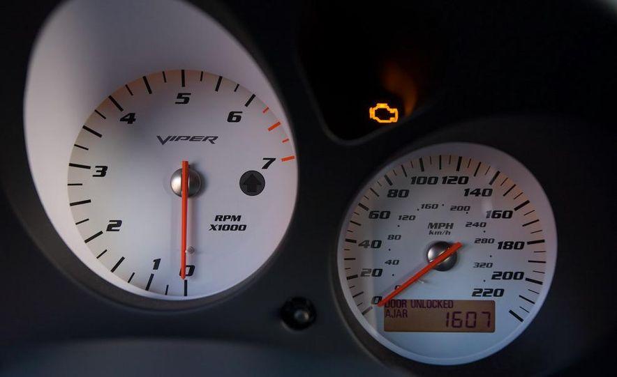2008 Dodge Viper SRT10 coupe - Slide 33