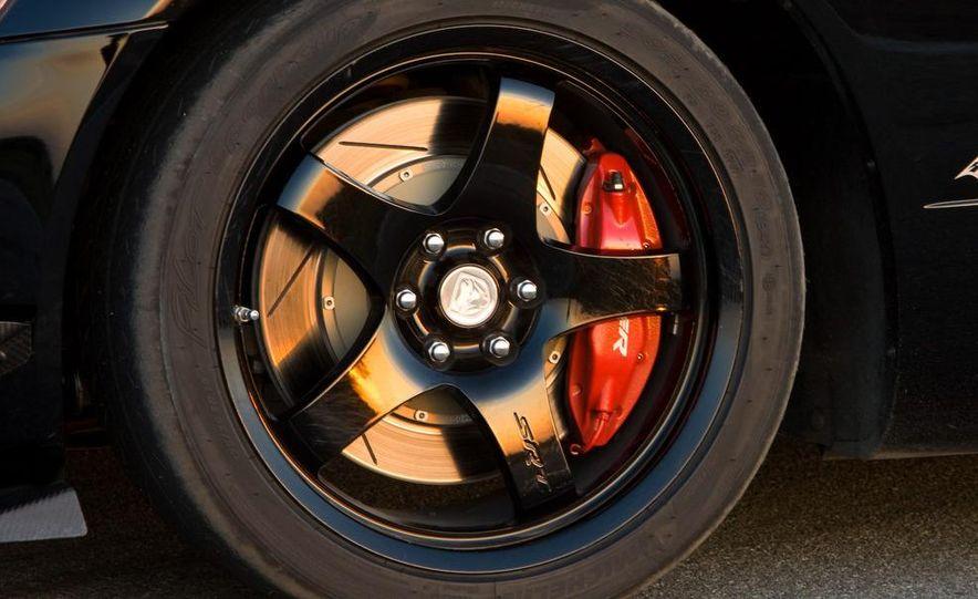 2008 Dodge Viper SRT10 coupe - Slide 30