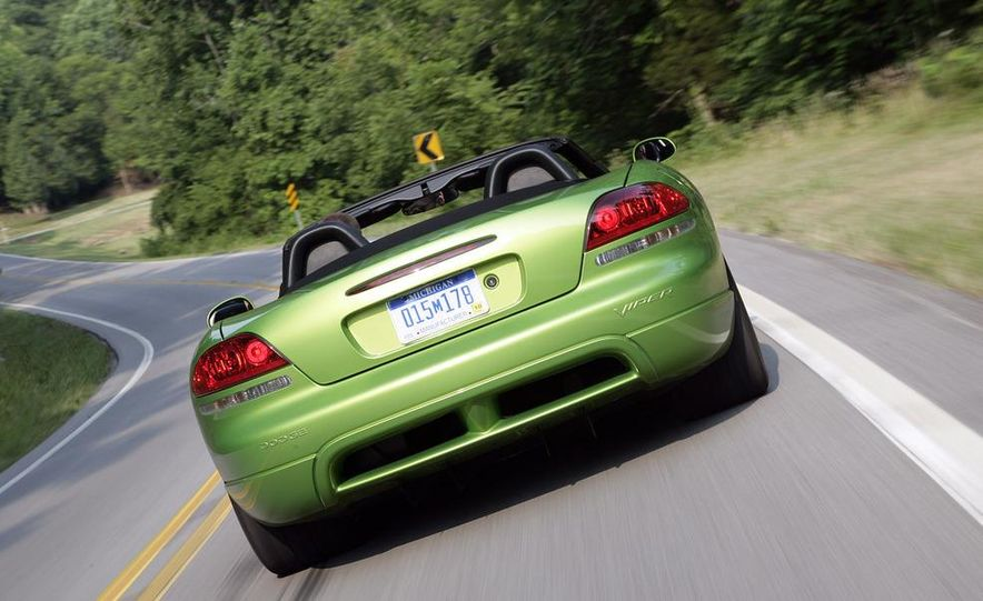 2008 Dodge Viper SRT10 coupe - Slide 9