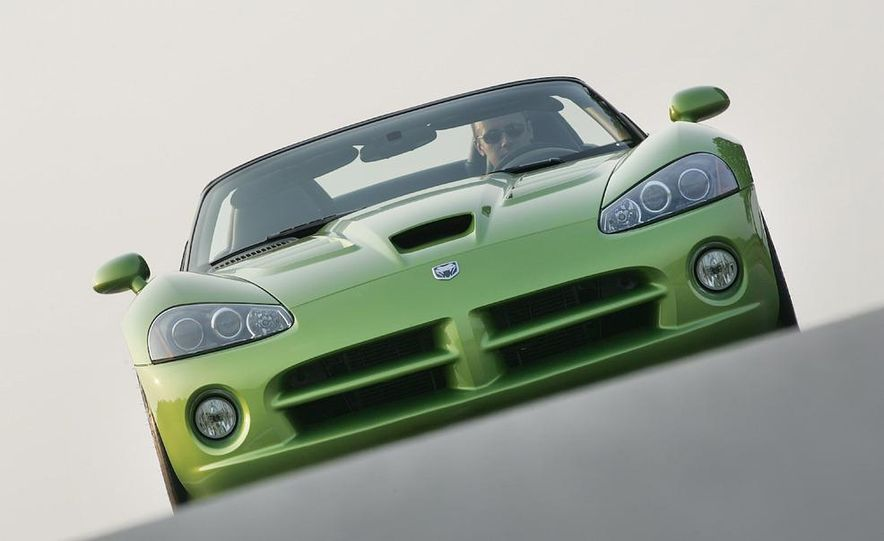 2008 Dodge Viper SRT10 coupe - Slide 12