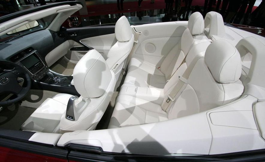 2009 Lexus IS250 C convertible - Slide 21