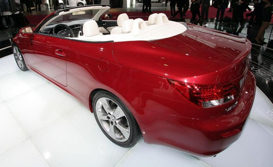 2009 Lexus IS250 C convertible - Slide 16