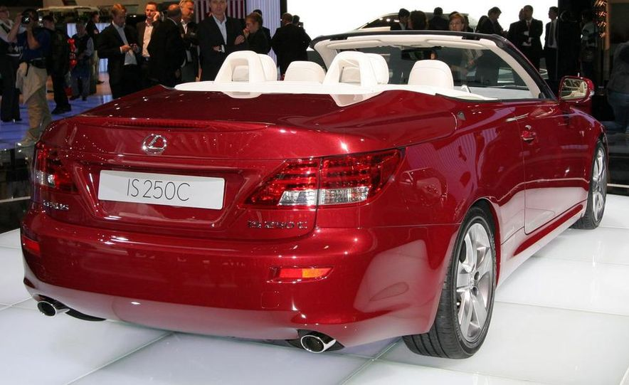 2009 Lexus IS250 C convertible - Slide 15