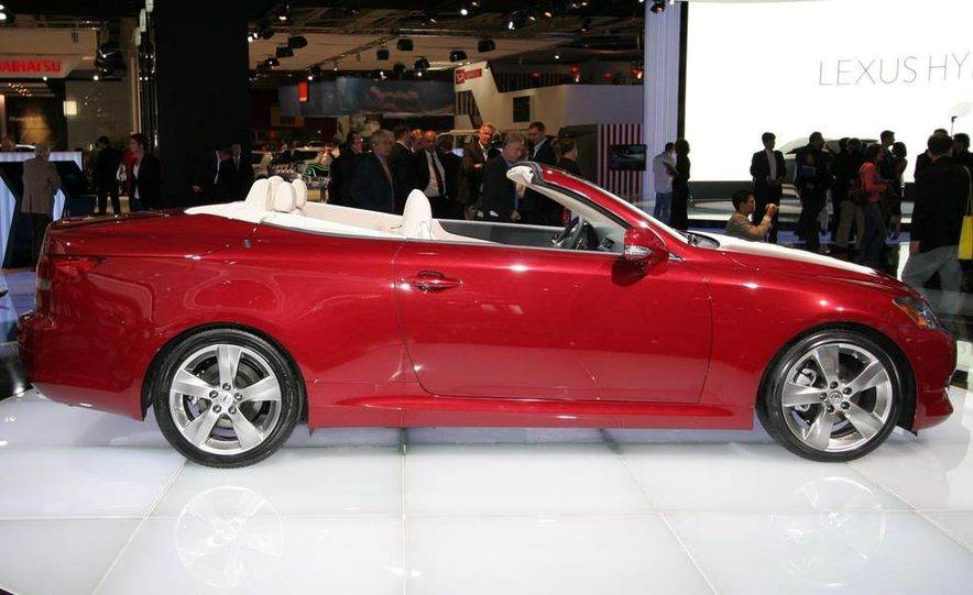 2009 Lexus IS250 C convertible - Slide 13