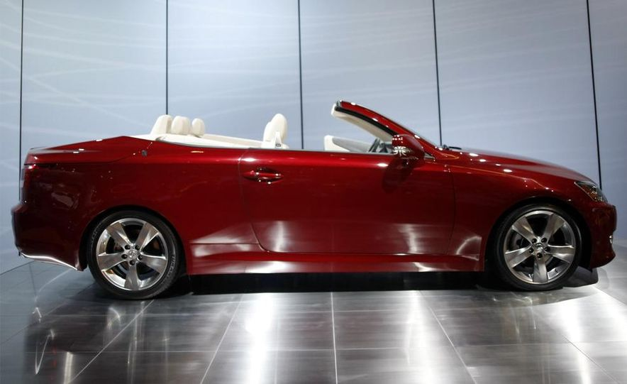 2009 Lexus IS250 C convertible - Slide 8