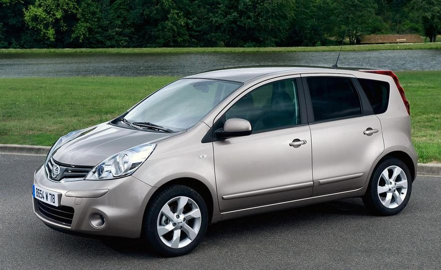 2010 Nissan Note - Slide 1