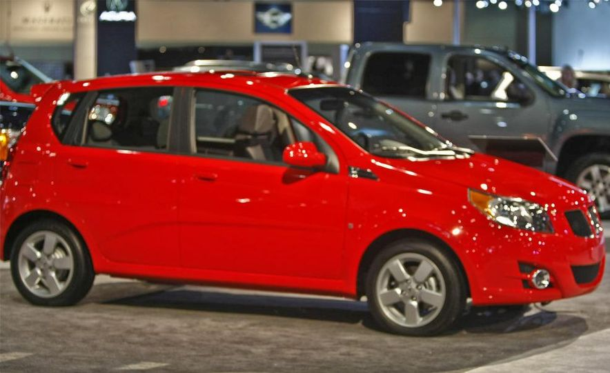 2009 Pontiac G3 - Slide 1