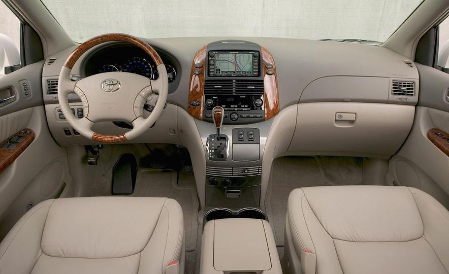 2009 Toyota Sienna - Slide 13