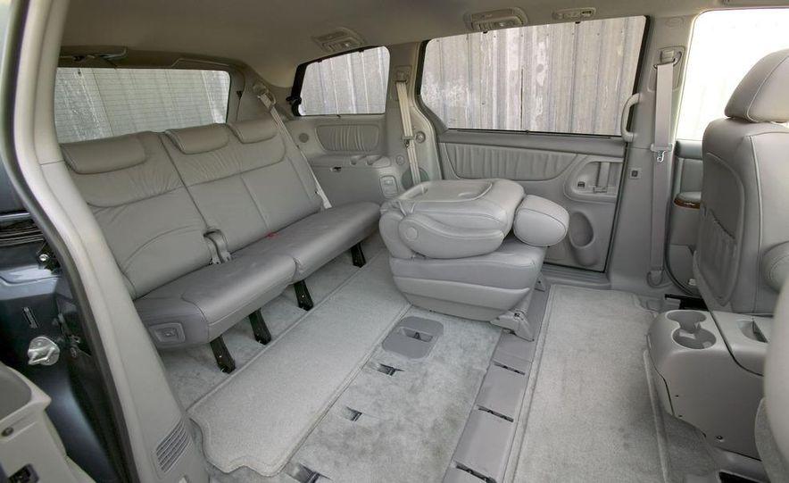 2009 Toyota Sienna - Slide 15