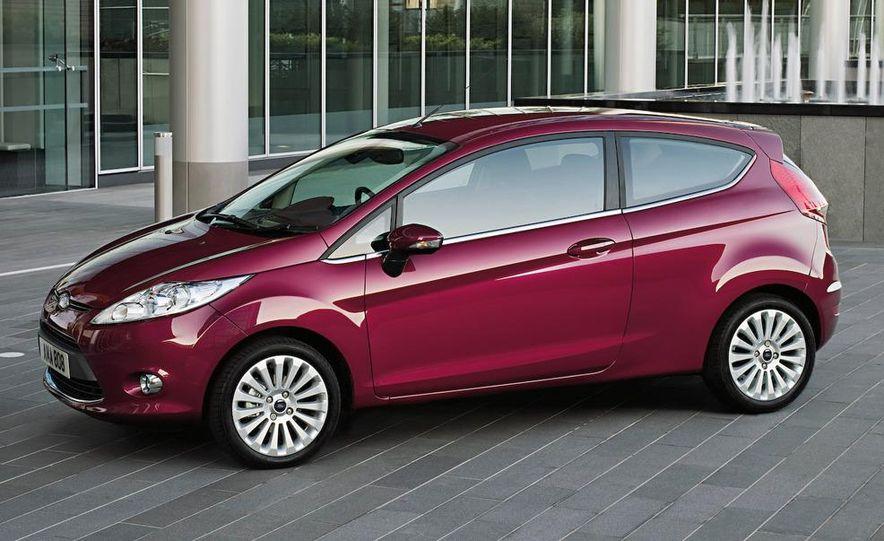 2010 Ford Fiesta 3-door (European spec) - Slide 1