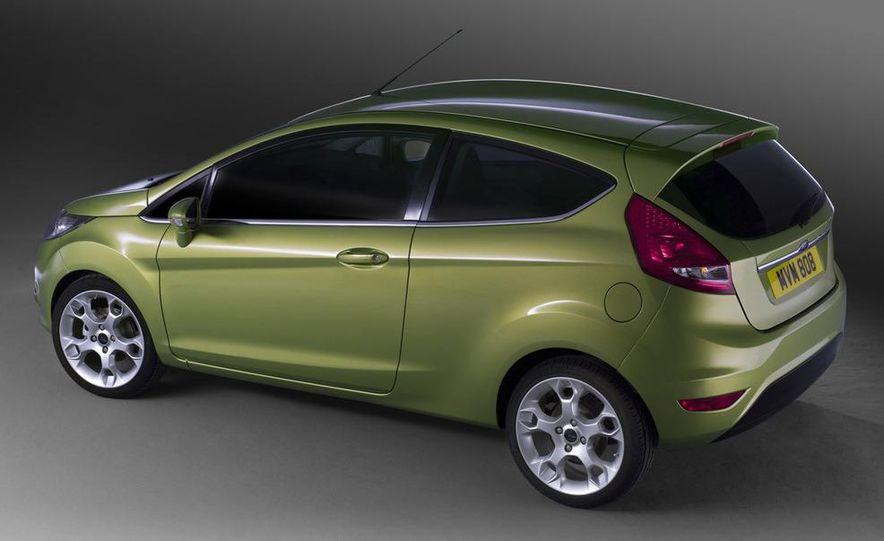 2010 Ford Fiesta 3-door (European spec) - Slide 21