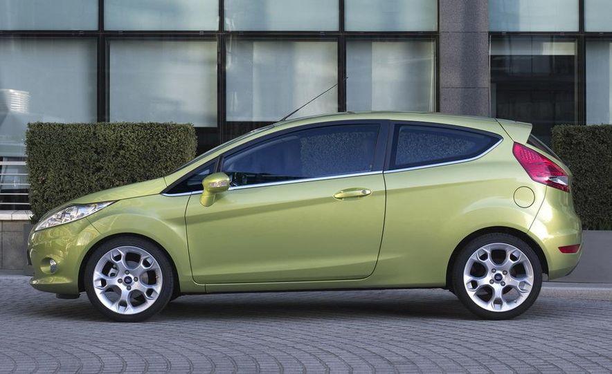 2010 Ford Fiesta 3-door (European spec) - Slide 27